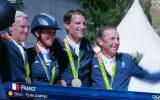 Les champions Olympiques par équipe de Saut d'Obstacles